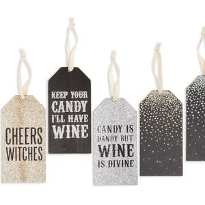 NWOT Primitives by Kathy Halloween Wine Tags